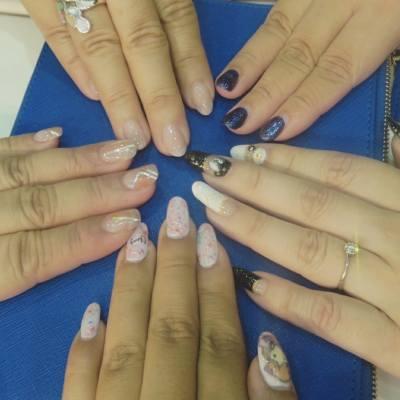 我們的美甲聚會, 共同的話題,快樂的聊天, 嘻嘻哈哈又是一個晚上了! 期待下一次的見面喔~  #Yuna雨娜 #RainPoon #Blogger #博客 #部落客 #部落格 #HKBlogger #HKGirl #HKIG #gelnail #Nail #美甲 #光療 #光療凝膠 #nails
