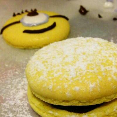 minions咁得人中意 邊個會捨得將佢食落肚wo😂 #macaroons #minions #desserts #yellow #相機先食 #甜品 #Bello! #banana