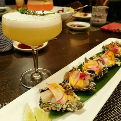 Drink : Jasmine Blossom  Food : Marinated Hokkaido Scallop ,black truffle paste Sea urchin on seaweed tempura   #jasmineblossom #amazake #yummy #japanesefood