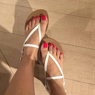 夏天就係要露腳趾的時候😃 所以涼鞋一定要買喔🖖🏻🖖🏻  #我想返工去shopping #pullandbear #見習購物狂