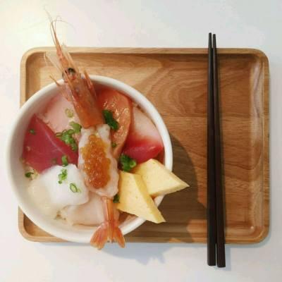 Feeling satisfied😘 Super fresh!!😘😘 sashimi day😘😘😘  #我想返工去shopping