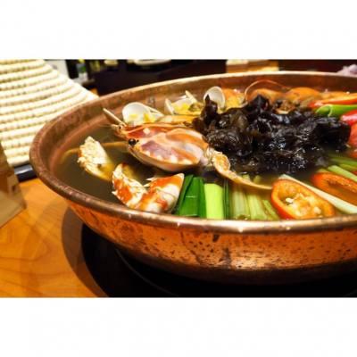 食火鍋不分季節,這個蝦兵蟹將鍋味鮮料靚,湯底非常鮮甜!  #thedrunkenpot #hotpot #crab #prawn #seafood #火鍋 #海鮮 #蝦 #蟹 #foodie #foodblogger #foodlover