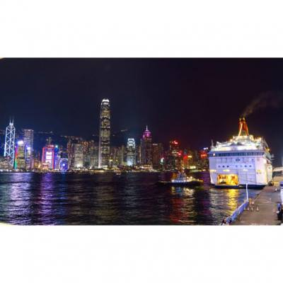 Beautiful Hong Kong  #discoverhongkong #travel #tourism #nightview #harbour #skyscraper #iphone #picoftheday #bestphotooftheday #cruise #uhkphoto #hkig #all_shots #snapshot #follow4follow #like4like @harbourcity #harbourcity #jannistravel #wanderlust @discoverhongkong #cityscape #jannistravel