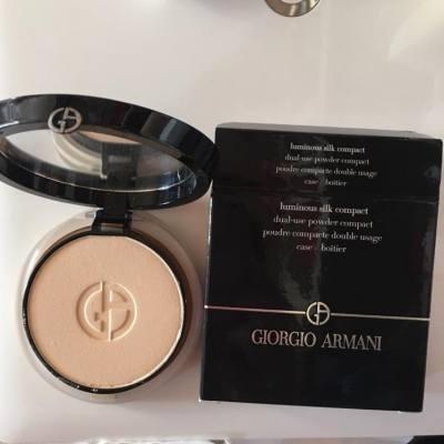 之前買了這個碎粉餅,真的很好用,質地很滑,又方便帶出去用。現在差不多又要買新的!真心推薦去買!#giorgioarmani #makeup #sharing #igers #ighk #iggirls #igpost #hkig #happysharing #cosmetics #makeupbrands #MissTiara