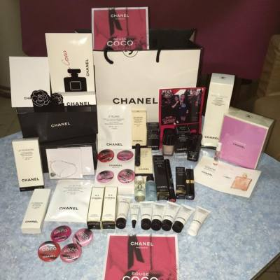 Crazy shopping day in the Chanel Rouge Event #MissTiara #chanel #chanelhk #ilovecocochanel #rougecocotour #beauty #hkgirls #luxurybrand