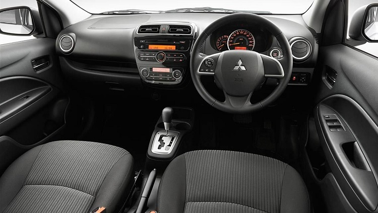 interior-mitsubishi-mirage