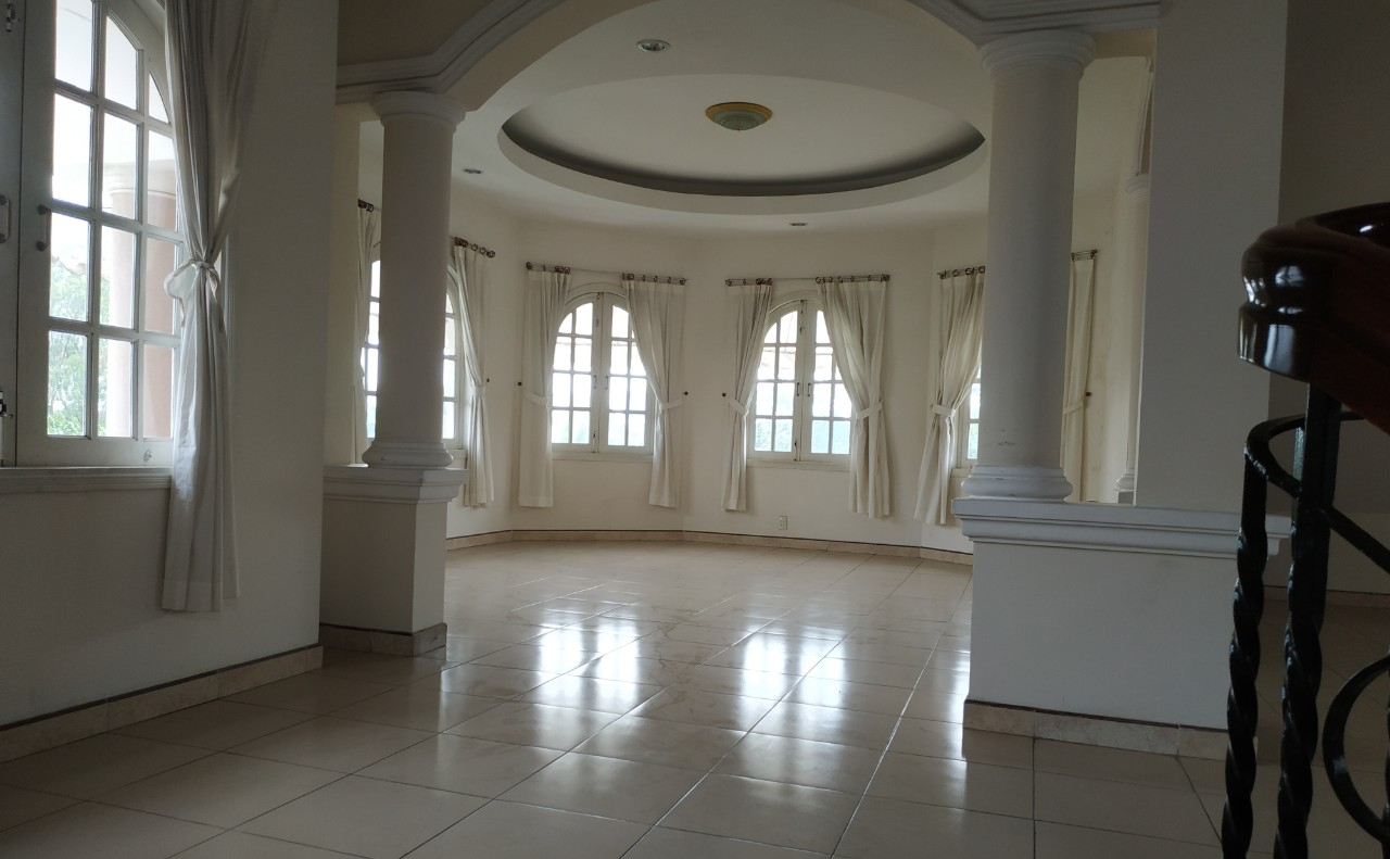 villa for rent in district 2 D220058 (1)
