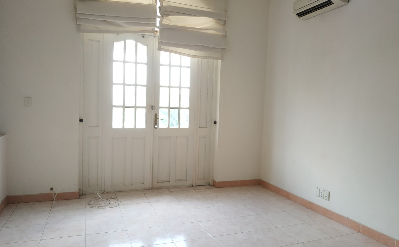 villa for rent in district 2 D220058 (11)