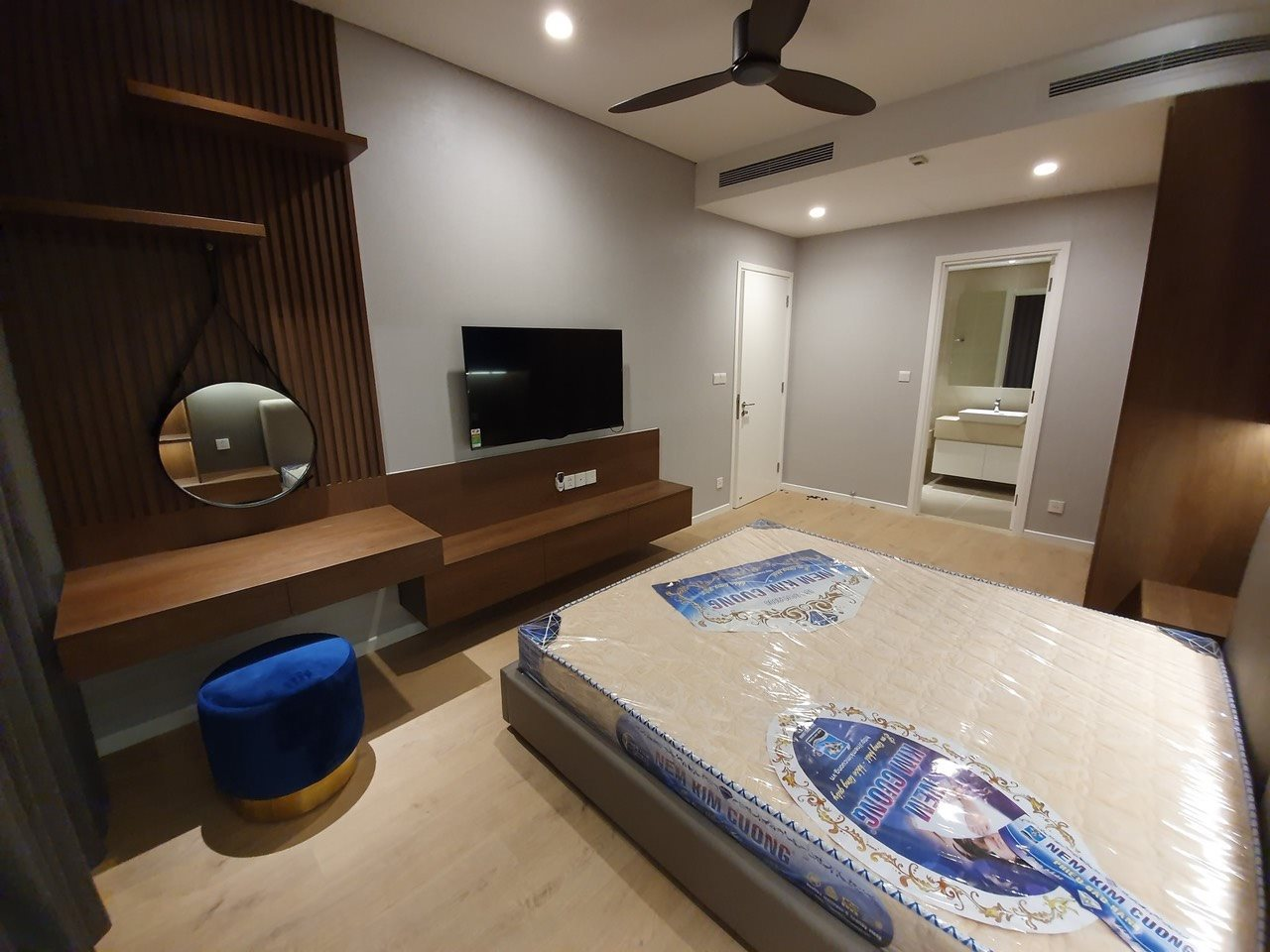 DI0933 - Diamond Island Apartment For Rent & Sale in Ho Chi Minh City - 2 bedroom