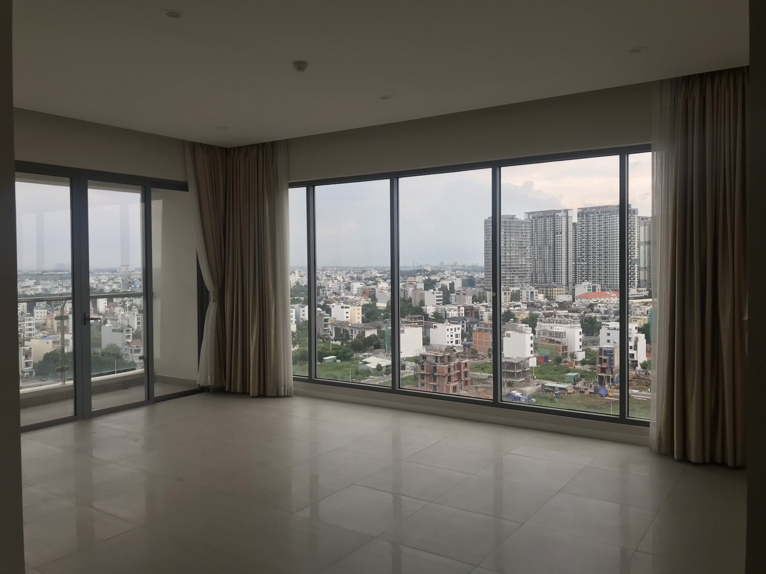 DI0292 - Diamond Island Apartment For Rent & Sale in Ho Chi Minh City - 3 bedroom