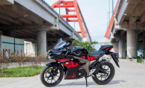 suzuki gsx-r150 hitam