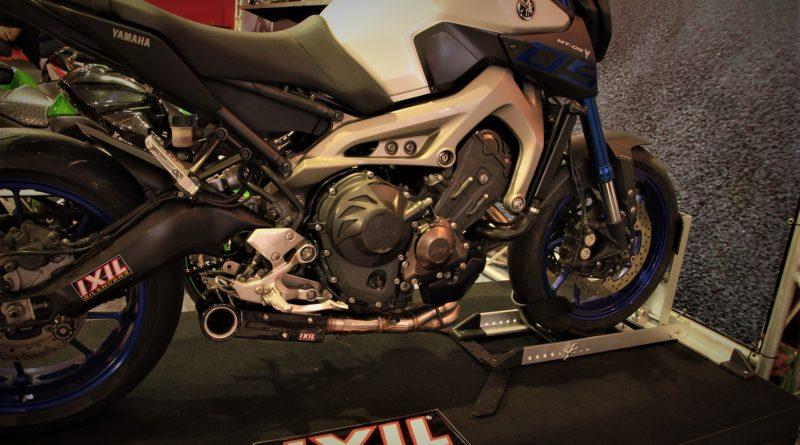 Knalpot Ixil Silencer pada Yamaha MT-09