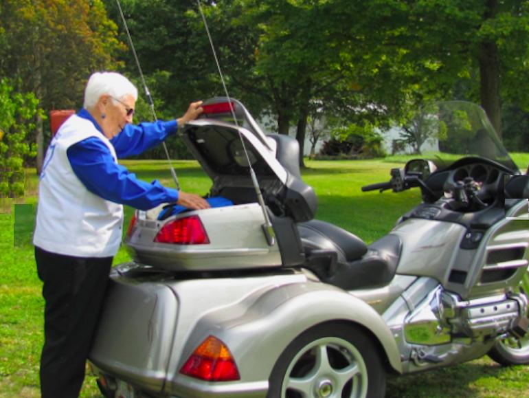 Miriam Berger Leisure, Nenek 91 Tahun Touring Pakai Honda Goldwing Trike 2003