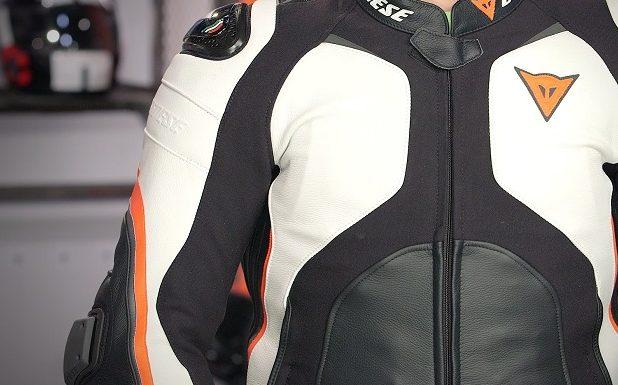 Desain Jaket Yang Simpel Dan Tidak Banyak Aksesoris