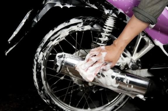 Bersihkan motor