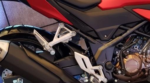 Footpeg Baru Yang Disematkan Pada New Honda CB150R 2018