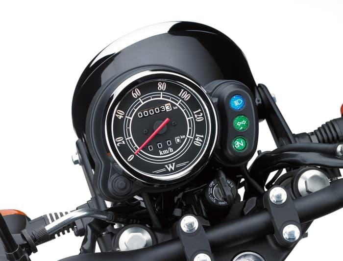Speedometer Kawasaki W175 Terlihat Sangat Minimalis Tanpa Indikator Bensin