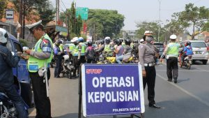 Ilustrasi : Polisi Menggelar Razia Dalam Rangka Operasi Simpatik