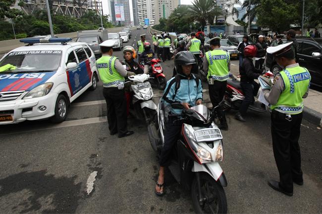 Polisi Melakukan Tindakan Kepada Pelanggar