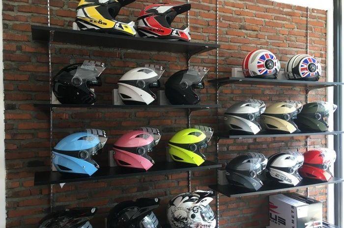 Desain Helm Yang Pas Buat Wanita Berhijab