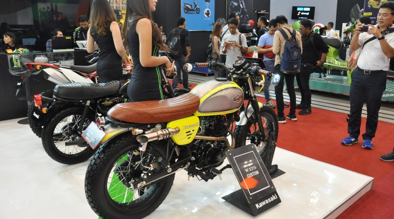 Kawasaki W175 Custom Flattrack Mejeng Di Giias 2018 Moladin Blog