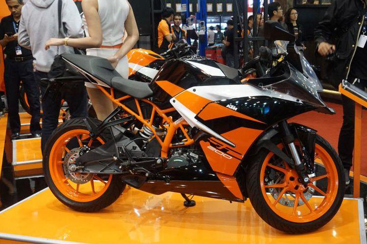 New KTM RC200 Warna Hitam