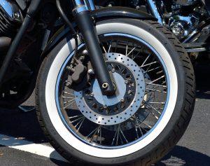 memilih ban motor yang baik