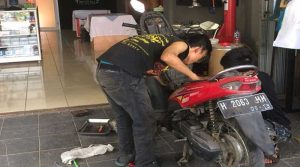 Ganti Busi dapat mempengaruhi fungsi busi motor