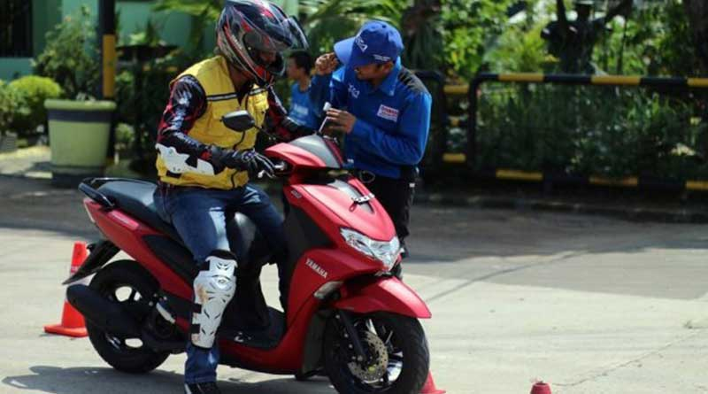 yamaha-gelar-latihan-safety-riding-bareng-yra
