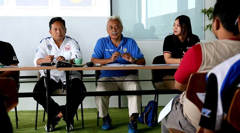 Sigit Widijanto (tengah) selaku Komisi Roda Dua IMI