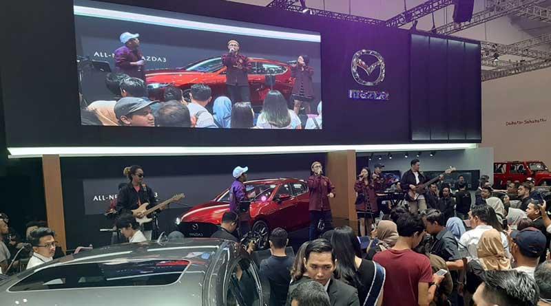 Booth Mazda
