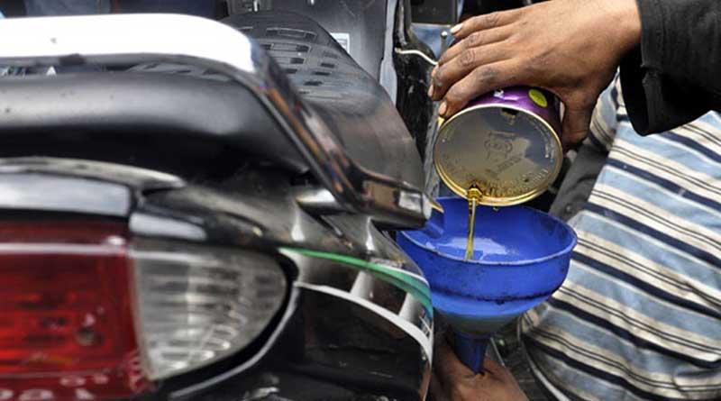 Cara Merawat Motor Injeksi Jangan lupa ganti oli secara rutin