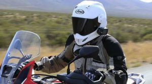 3-posisi-pas-pasang-action-camera-di-helm