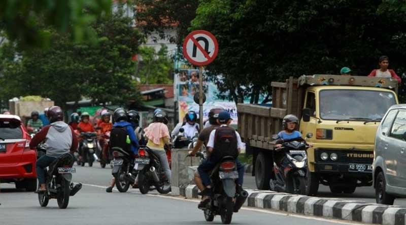 Melanggar Rambu & Marka Jalan
