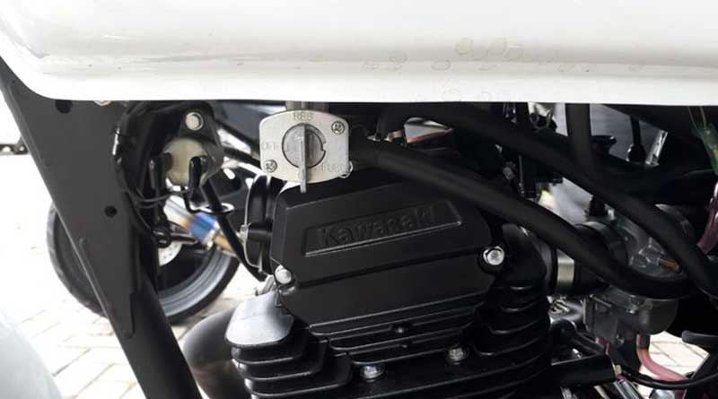 Mesin Motor Karbu