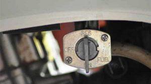 fungsi-keran-bensin-di-motor-karburator