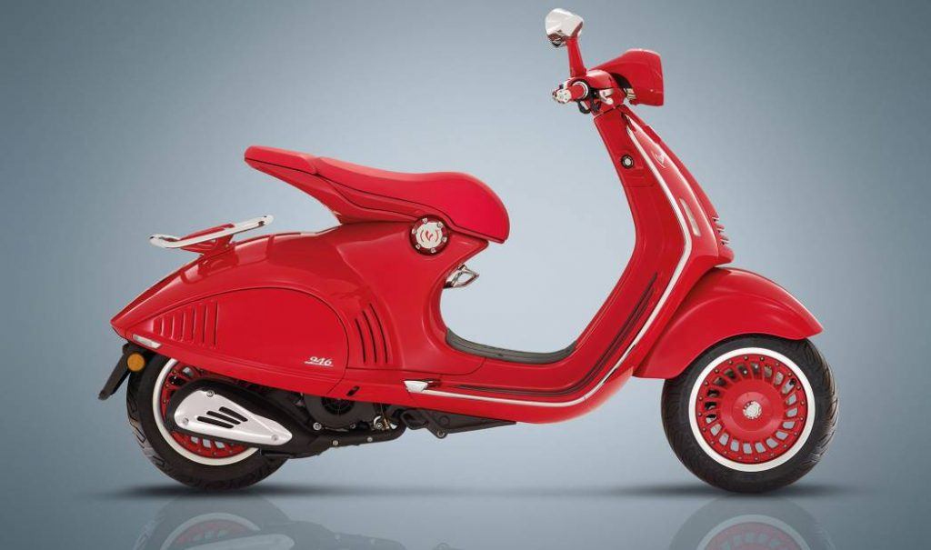Motor Vespa Matic 946 Red
