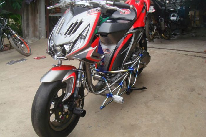 Honda BeAT Road Race