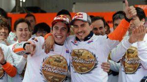 juara-di-valencia,-marquez-bawa-honda-raih-triple-crown