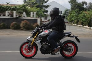 test ride yamaha mt-15