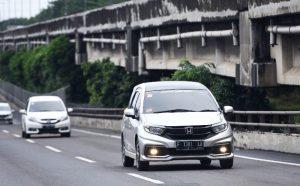 Mobil listrik honda mobilio hybrid