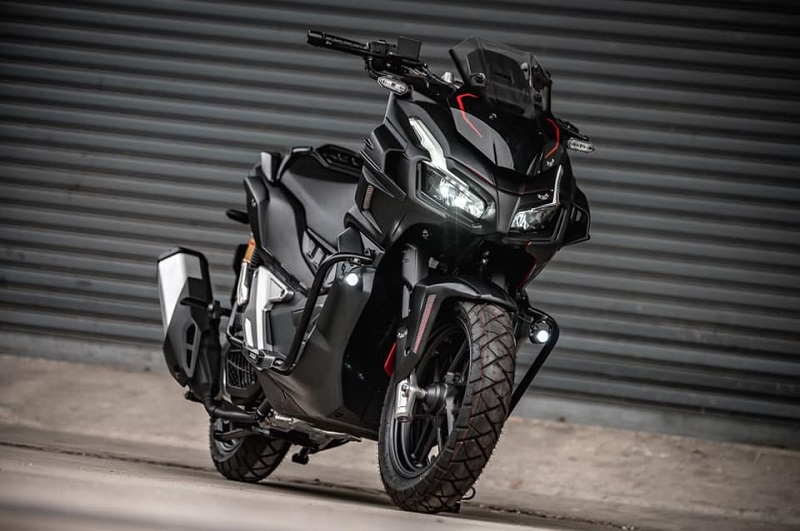 Honda ADV 150 Modifkasi Batman 002