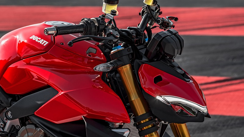 Ducati Streetfighter V4 04