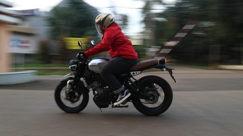 test ride xsr155