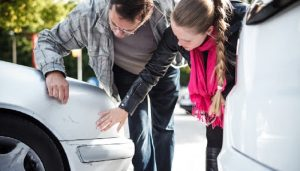 cara menghilangkan goresan di mobil