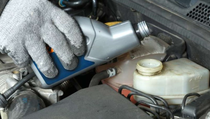 minyak rem motor