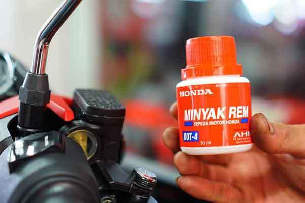 minyak rem motor 1