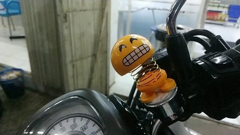 boneka goyang hiasan motor