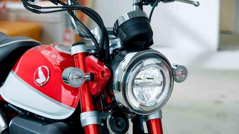 Lampu motor jenis LED