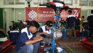 Lembaga kursus mekanik motor